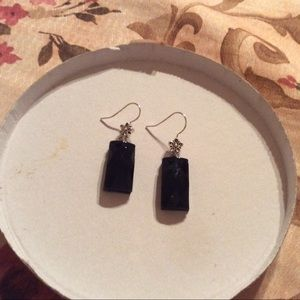 Jewelry - Faceted black earrings